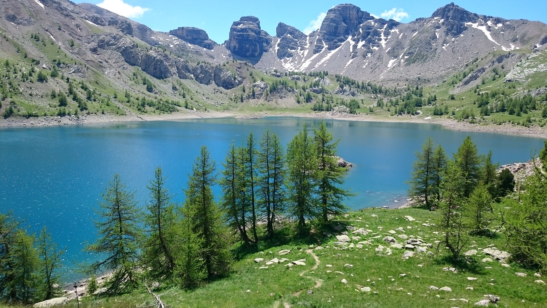 Le lac d'Allos plus haut lac d'Europe
