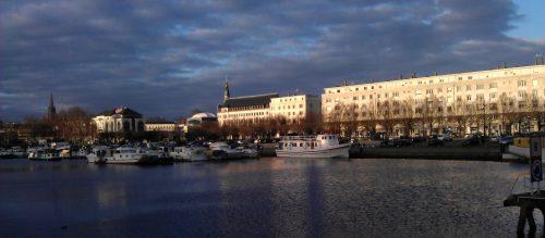 Port de Nantes avec bateaux
